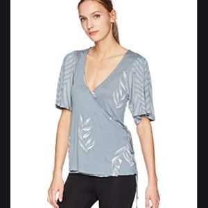 EUC Lucky Brand Wrap top with fluttery sleeves